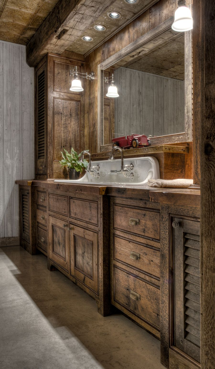 Rustic farmhouse style bathroom design ideas 58 - Hoommy.com