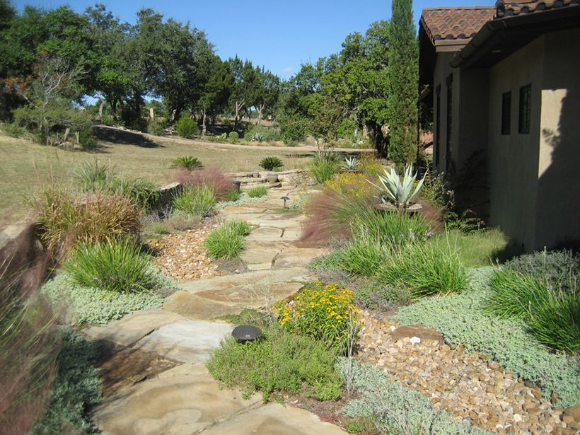 Texas Style Front Yard Landscaping Ideas 32 - Hoommy.com