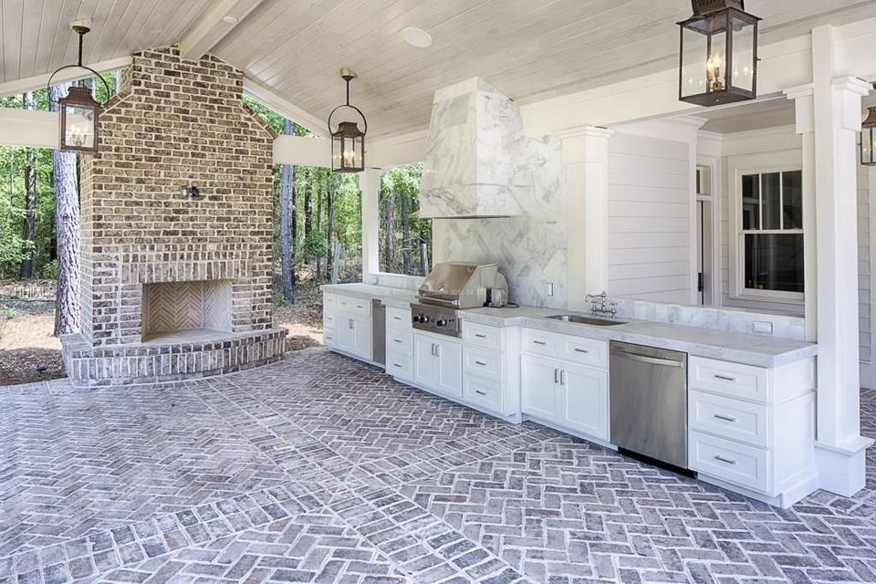 Awesome Yard and Outdoor Kitchen Design Ideas 5 - Hoommy.com on Covered Outdoor Kitchen With Fireplace id=68758