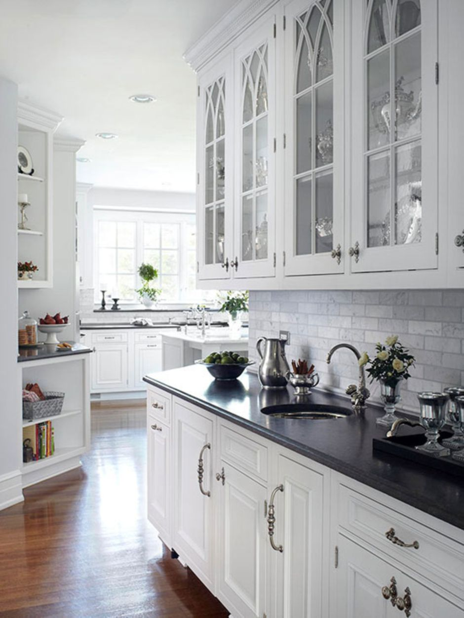 Elegant Kitchen Light Cabinets with Dark Countertops 39 - Hoommy.com