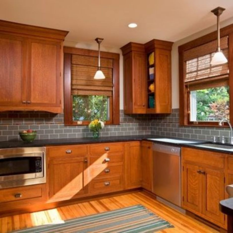 Light Oak Kitchen Cabinets: Elegant Kitchen Light Cabinets With Dark Countertops 41