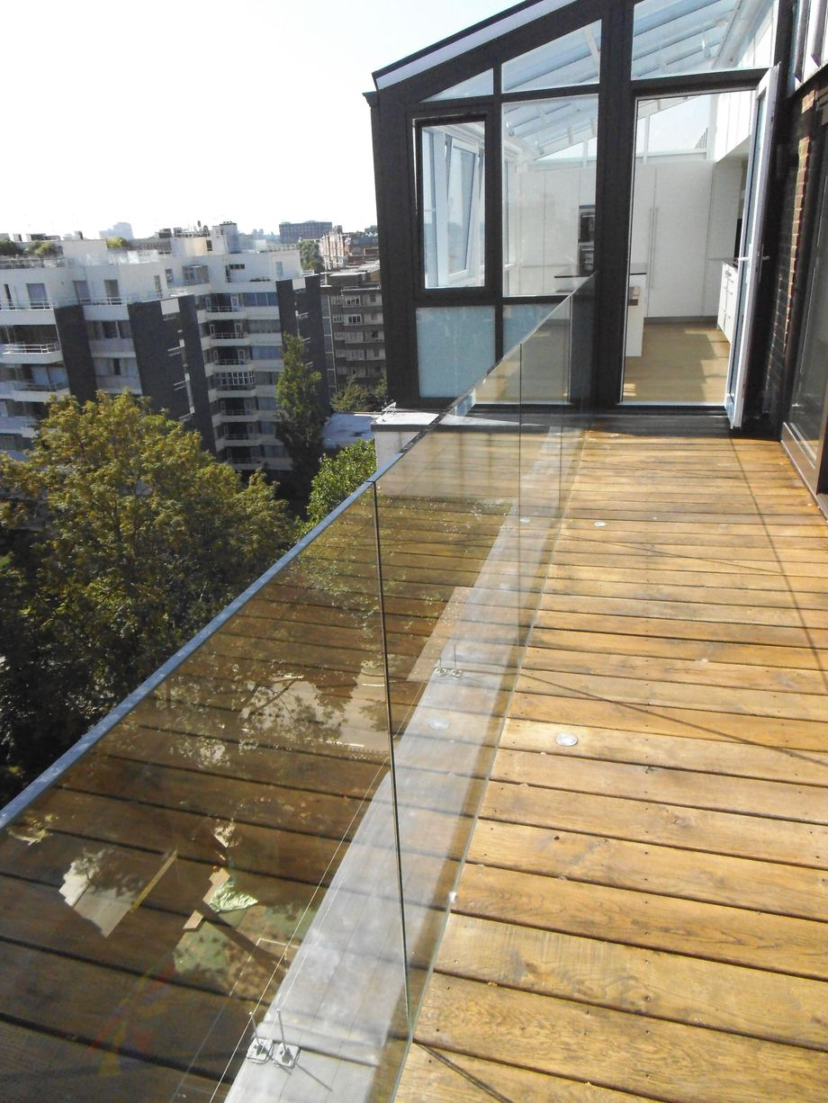 50 Incredible Glass Railing Design For Home Blacony 15
