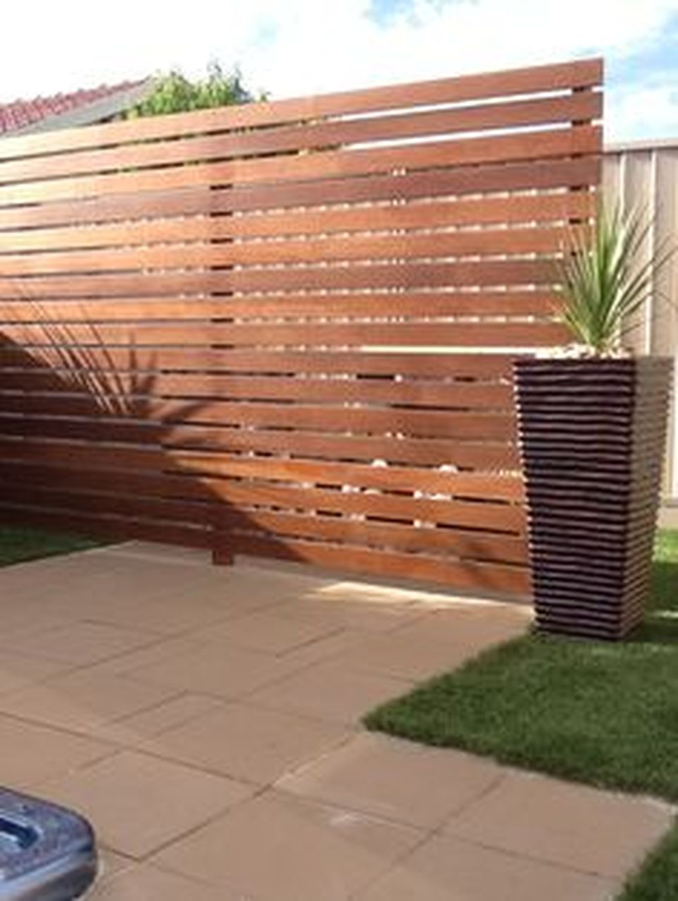 Cool Privacy Fence Wooden Design for Backyard 32 - Hoommy.com