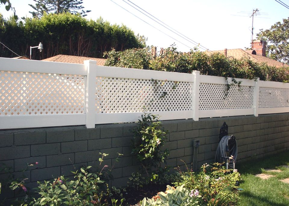 Cool Privacy Fence Wooden Design for Backyard 47 - Hoommy.com