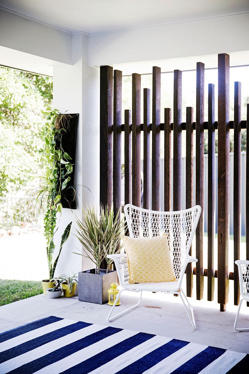 Cool Privacy Fence Wooden Design for Backyard 58 - Hoommy.com