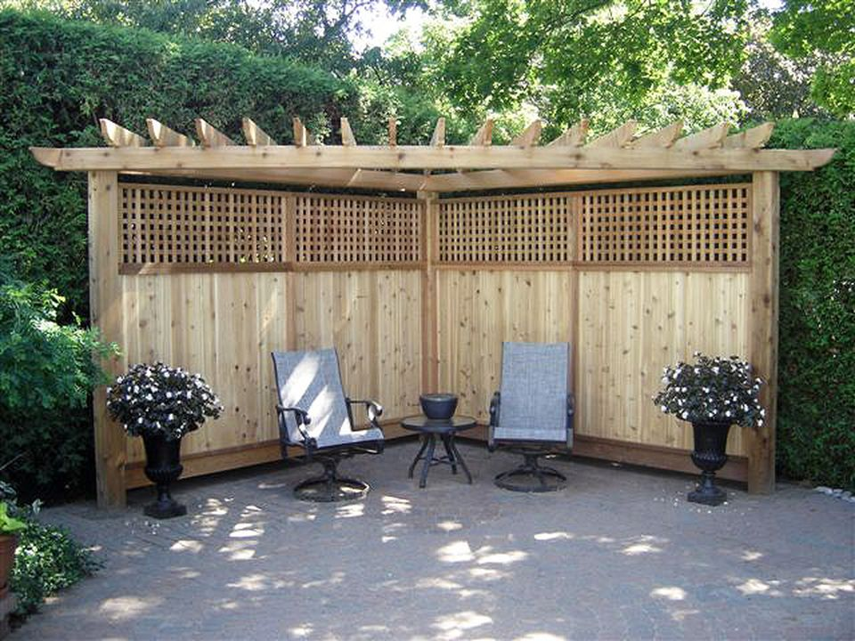 Cool Privacy Fence Wooden Design for Backyard 82 - Hoommy.com